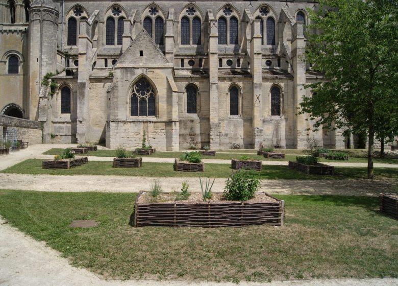 Jardin de l'Abbatiale - Copyright : Mairie de Saint-Leu-d'Esserent